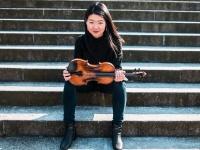 Mayumi Kanagawa ir visa nugalinti meilė simfoniniame koncerte
