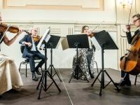 Virtualioje scenoje – retenybė: Jurgio Karnavičiaus kvartetai
