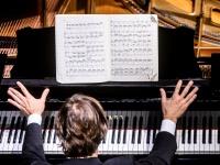 """Bacho gimtadieniui skambės Andriaus Žlabio interpretuojamos """"Angliškos siuitos"""""""