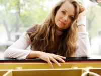 Lietuvos kamerinis orkestras ir pianistė Anastasija Injušina – debiutas Vilniaus scenoje