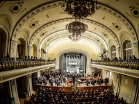 Stories Concealed in Sounds and the Wind of Change at the Philharmonic