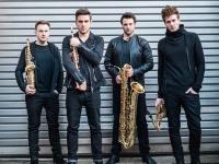 Keturi saksofonai ir orkestras